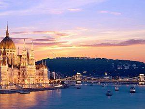 Budapesti városnézés dunai hajóval