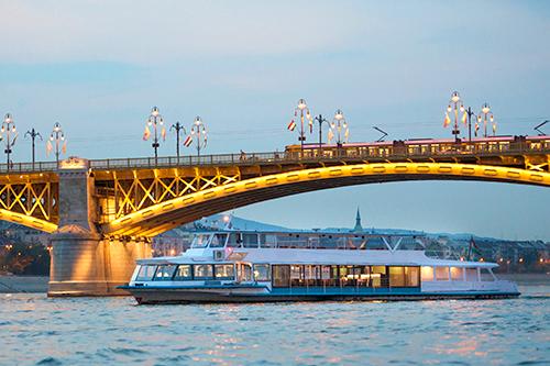 Dunai hajózás és hajóbérlés rendezvényre
