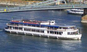 Dunai hajóbérlés Budapest területén, sétahajózás a Dunán